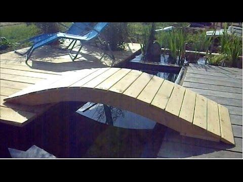 pont en bois pour bassin de jardin